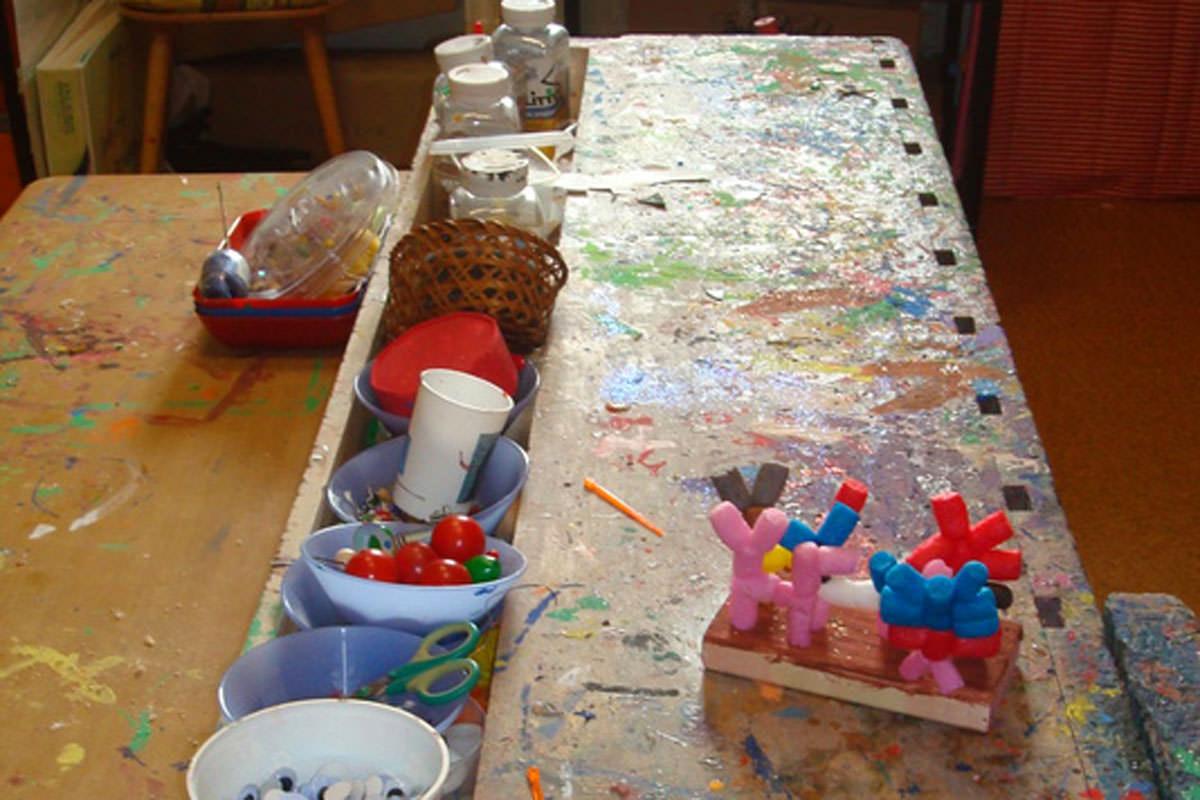 Die Werkstatt wird in der Funktionsräume - Zeit von 2 Kindern aus jeder Gruppe besucht und bietet den Kindern vielerlei Entfaltungsmöglichkeiten.